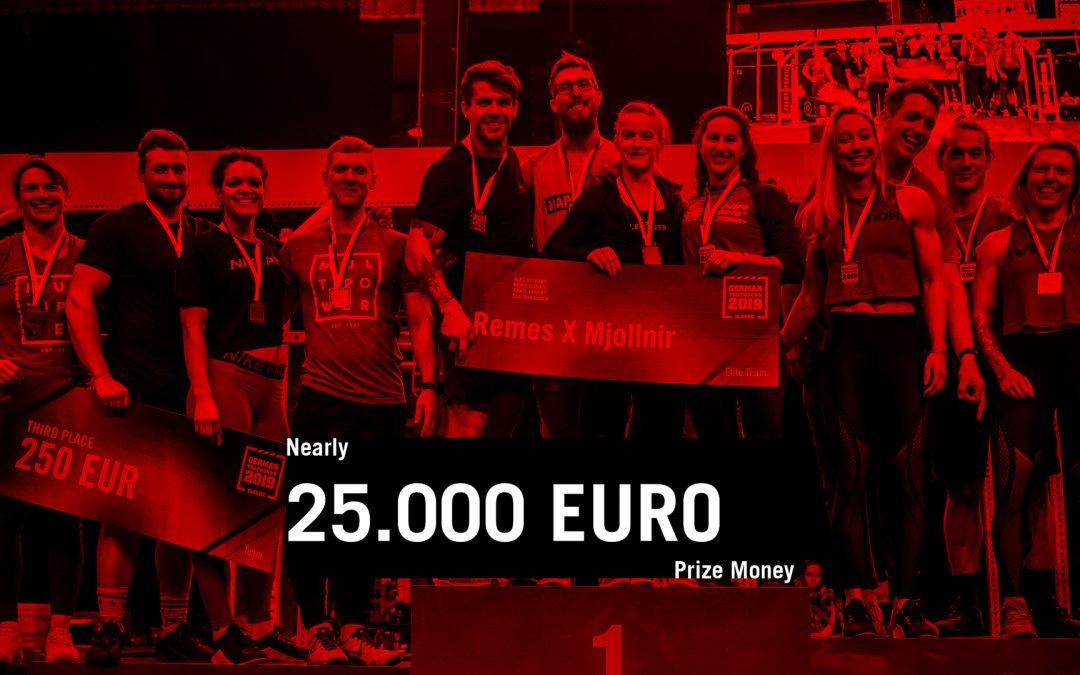 Podium vom German Throwdown Classic mit der Preigseld Angabe des CrossFit German Throwdown